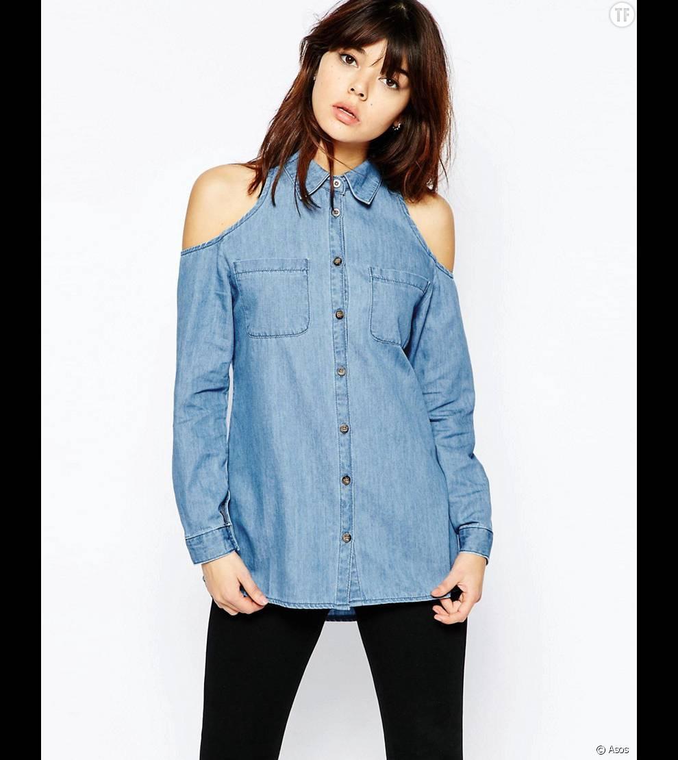 Chemise en jean revisitée à épaules dénudées  , Asos, 45,99 euros.