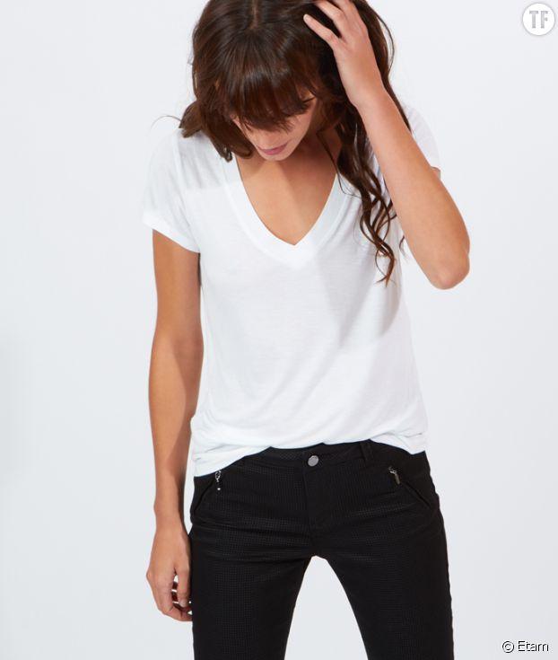 Toujours avoir un tee-shirt blanc dans sa garde-robe!