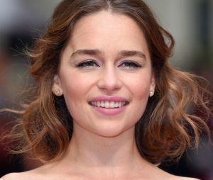 """Emilia Clarke : """"Je complote pour que Daenerys gagne son trône !"""""""