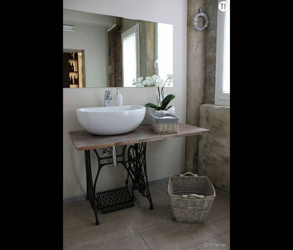 Décoration shabby : une salle de bain avec des meubles de récup ...