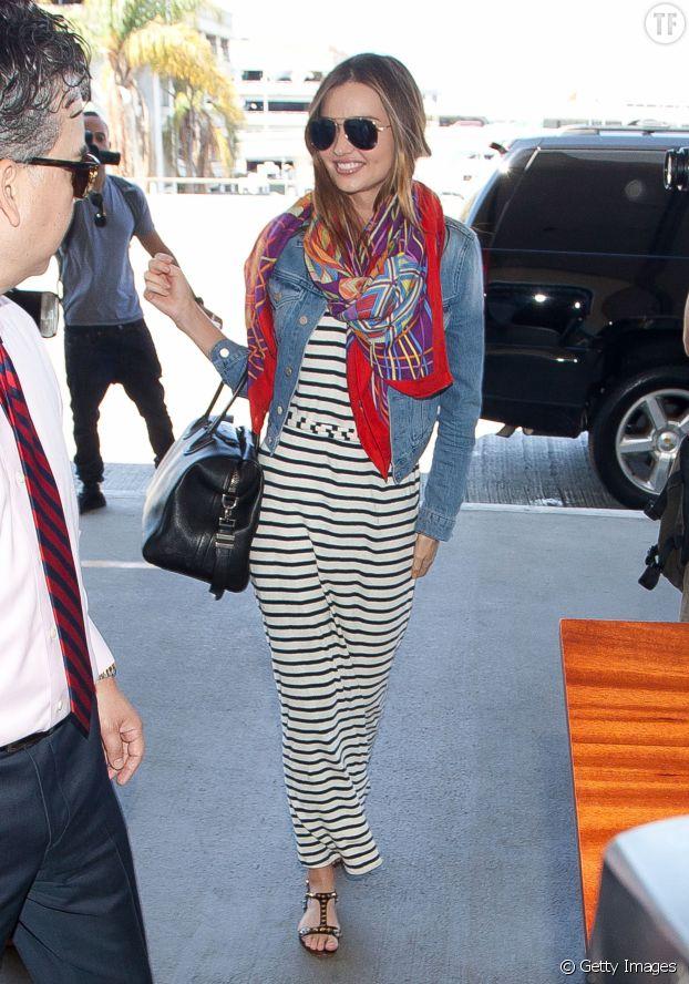 Miranda Kerr, parfaite avec sa petite veste en jean.