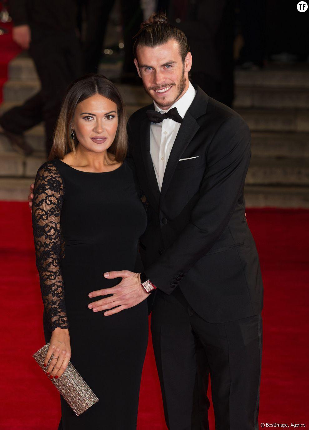 """Gareth Bale et sa compagne Emma Rhys Jones enceinte - Première mondiale du nouveau James Bond """"Spectre"""" au Royal Albert Hall à Londres le 26 octobre 2015"""