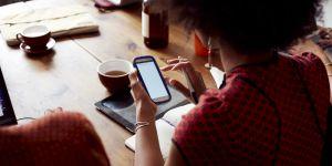 Traîner sur Facebook au boulot est-il la nouvelle pause-café ?