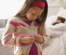 La technique génialissime pour étiqueter les vêtements des enfants sans coudre