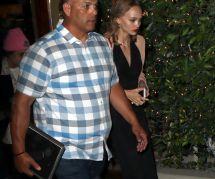 Lily-Rose Depp : aux côtés de son père Johnny Depp pour un hommage à sa grand-mère décédée (photos)