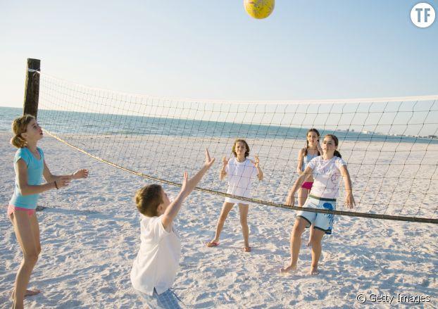 Une partie de beach volley