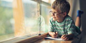 Grandes vacances : comment faire réviser un enfant avec le sourire