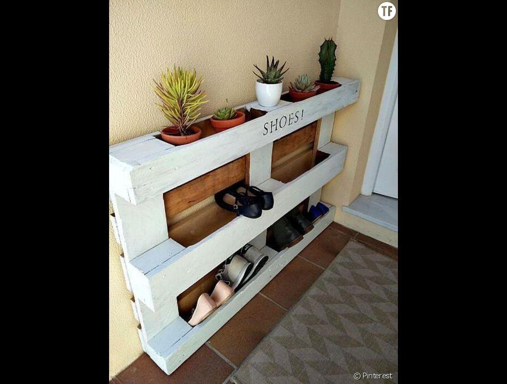 R cup ration une palette transform e en meuble chaussures terrafemina - Meuble cuisine en palette ...