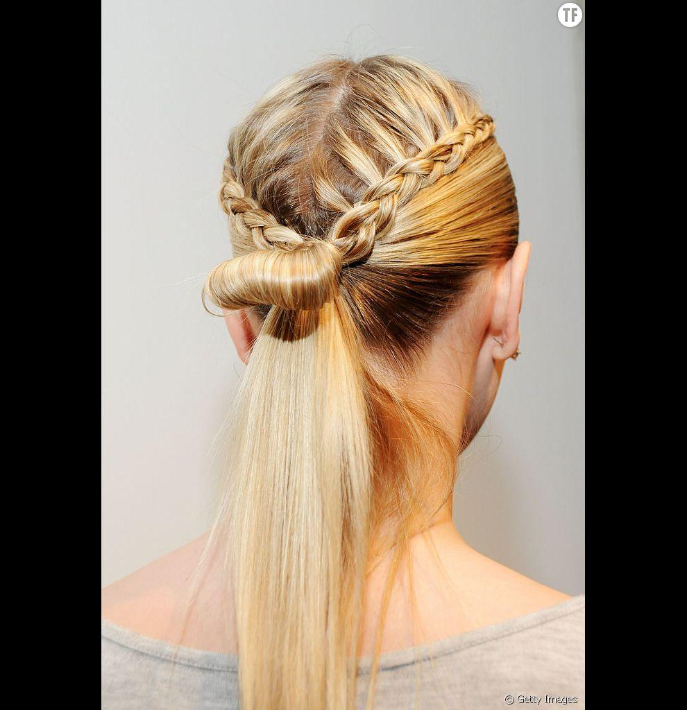 Pour mettre en valeur des cheveux fins, il n'y a rien de tel qu'une coiffure tressée très étudiée.