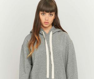 Sweat-shirt MM6 sur Urban Outfitters, 275€