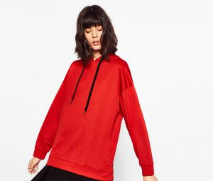 Sweat-shirt rouge Zara, 25,95€