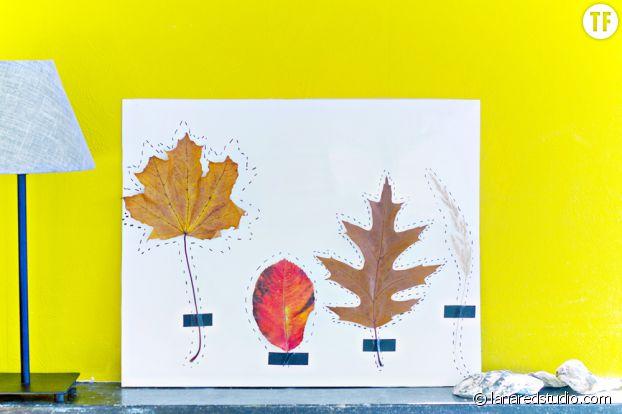 Un tableau original fait à partir de feuilles