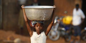 Tâches ménagères : les filles y passent 160 millions d'heures de plus que les garçons