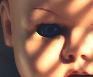 Pourquoi les poupées font-elles aussi peur ?