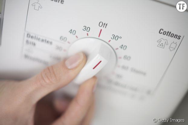 7 astuces pour viter que mes v tements noirs ne se d lavent - A quelle temperature laver son linge ...