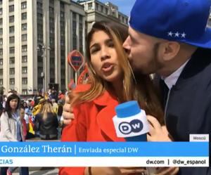 Embrassée de force en direct pendant la Coupe du Monde, cette journaliste s'insurge