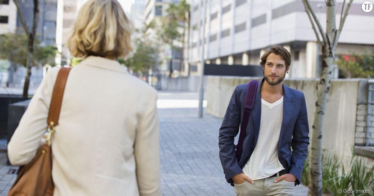 homme rencontre dans la rue)