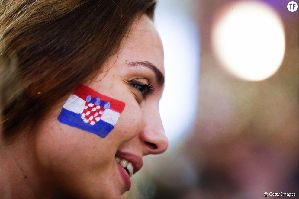 Femme fan de foot croate lors de la Coupe du Monde 2018