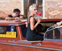 Lady Gaga dévoile ses vergetures, les internautes applaudissent