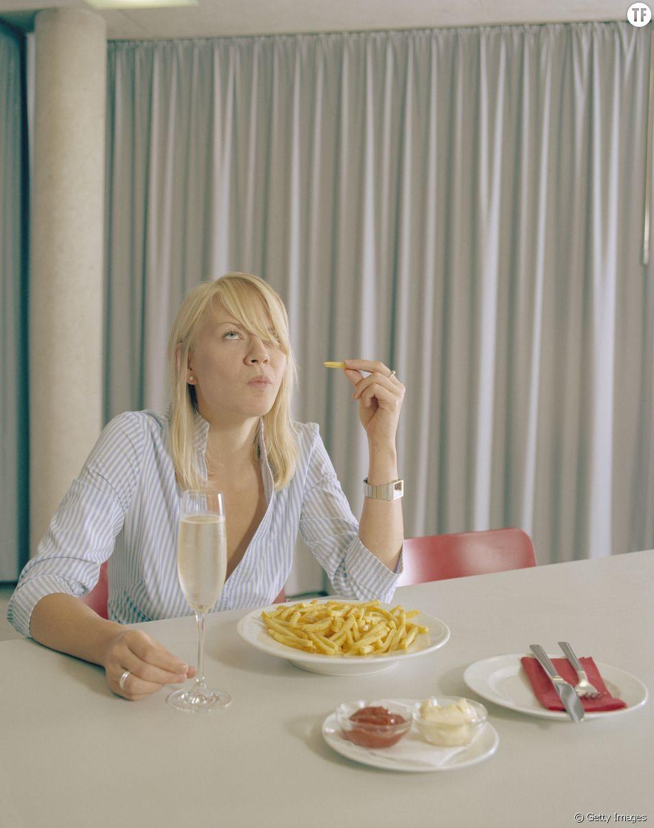 Voilà pourquoi vous devriez manger des frites avec du champagne