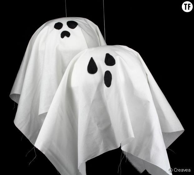 Les fantômes à suspendre