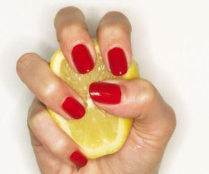 L'astuce pour éclaircir ses cheveux avec du citron