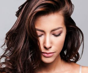 Chocolate Cake Hair, la tendance coloration qui donne faim