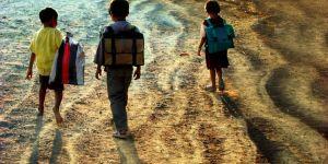 En Inde, une école écolo où les élèves paient en déchets plastiques