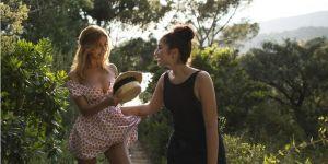 """""""Une fille facile"""" : Zahia Dehar se réinvente dans ce summer movie doux-amer"""