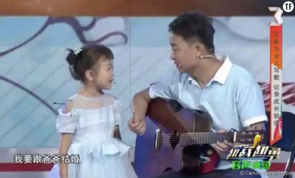 """""""Maman, ne va pas travailler"""" : la chanson sexiste qui crée le (bad) buzz en Chine"""