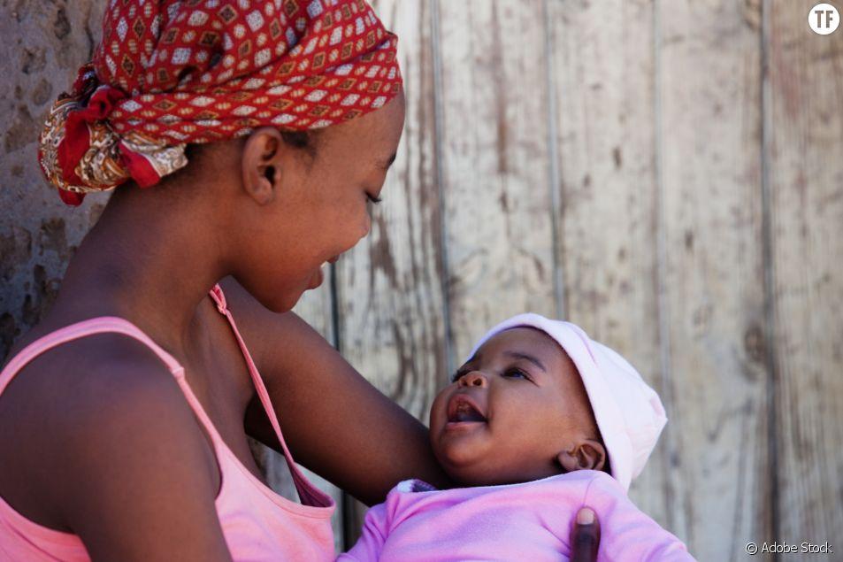 L'allaitement forcé des maris, une pratique scandaleuse mais banalisée en Ouganda.