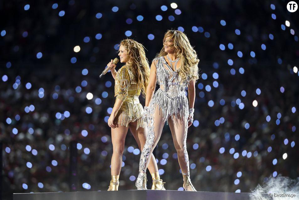 Au Superbowl, Shakira et J-Lo offrent une prestation empouvoirante pour les latinas