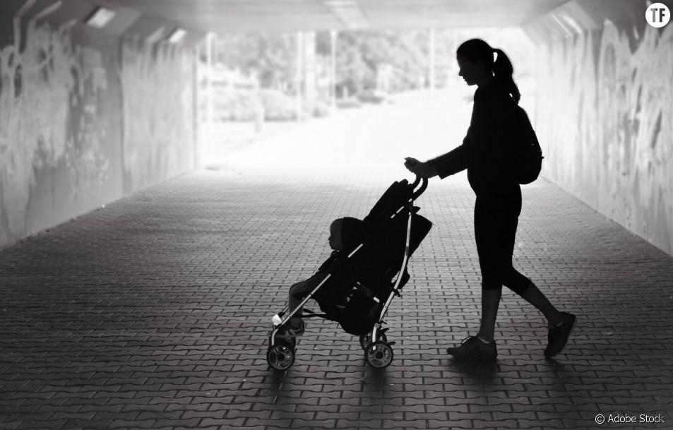 Un récit plein d'irrévérence et de pertinence sur les mamans solos.