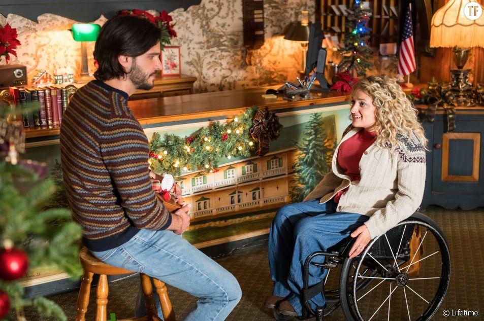 """Ali Stroker joue une femme handicapée dans """"Christmas Ever After"""""""