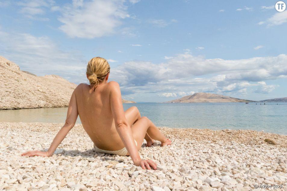 Jamais les femmes n'avaient aussi peu fait de topless cet été (et voici pourquoi)