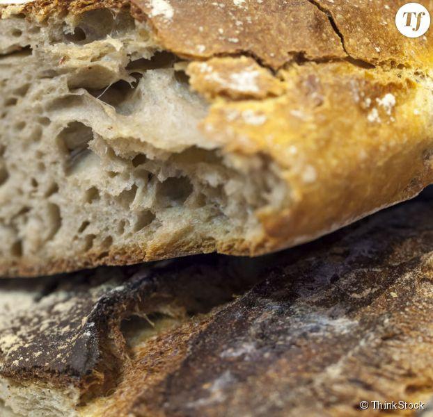 pain dur rassis 3 m thodes g niales et faciles pour le rendre frais. Black Bedroom Furniture Sets. Home Design Ideas