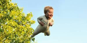 Ce papa fait voler son fils trisomique dans une série de photos absolument magiques