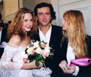 Justine Lévy entourée de son père et d'Arielle Dombasle