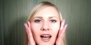 Cette femme gagne sa vie en soupirant sur Youtube