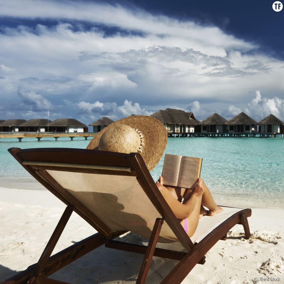 10 livres feel good à emporter dans votre valise pendant les vacances d'été