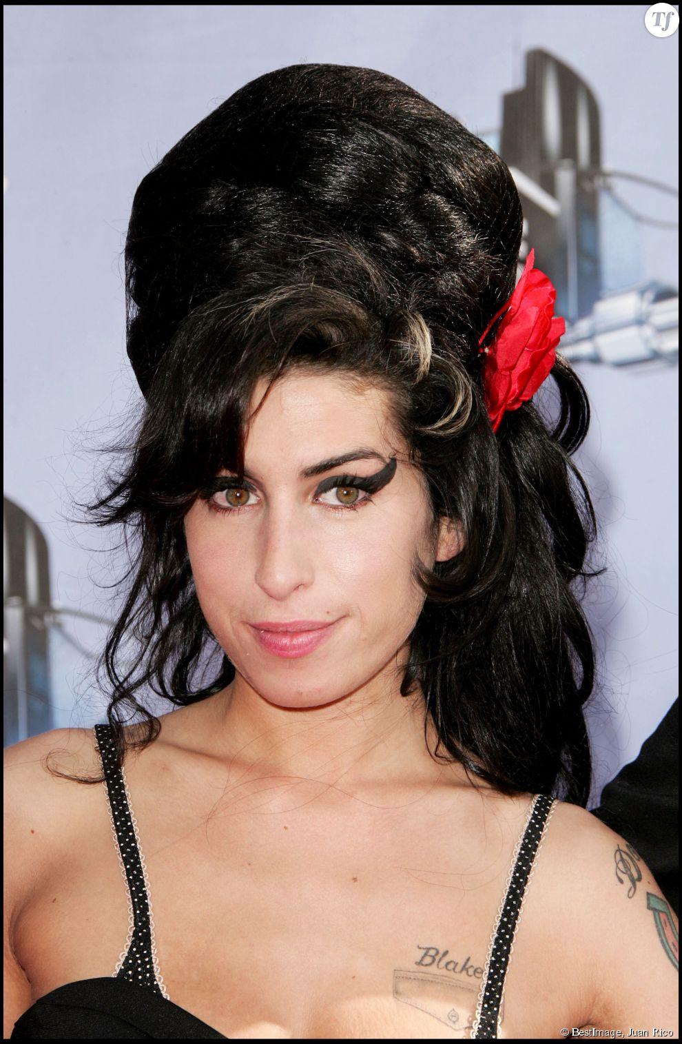 Sa coupe de cheveux est devenue mythique et automatiquement associée à la chanteuse.