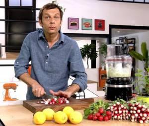 Depuis qu'il a dévoilé ses talents en cuisine, Laurent Mariotte est encore plus courtisé par ses fans...