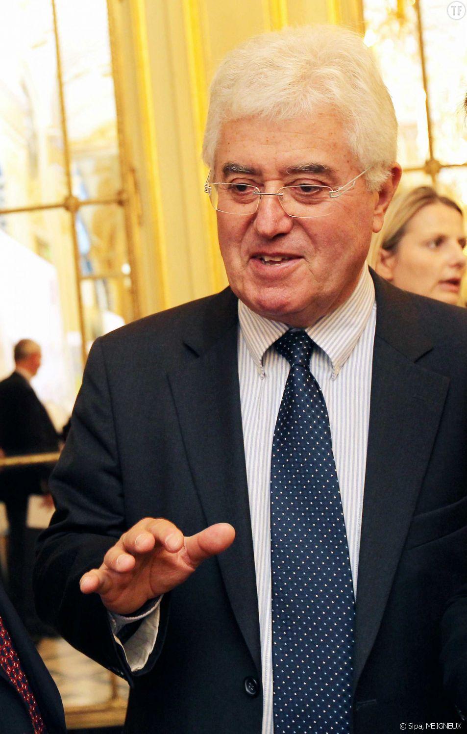 """""""Les femmes sont là pour faire des enfants"""" : la sortie hallucinante du sénateur Jean-François Mayet"""