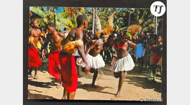 Des membres du peuple Giriama lors d'une danse traditionnelle.