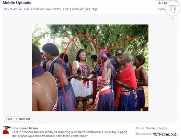 La sénatrice en tenue traditionnelle lors d'une conférence en Ethiopie.