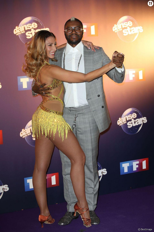 Djibril Cissé et Silvia Notargiacomo - Photocall Danse avec les stars 6 devant TF1 à Boulogne-Billancourt, le 7 octobre 2015.