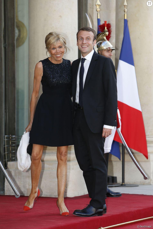 Emmanuel Macron Le Ministre N A Jamais Eu Envie De Devenir Pere Terrafemina