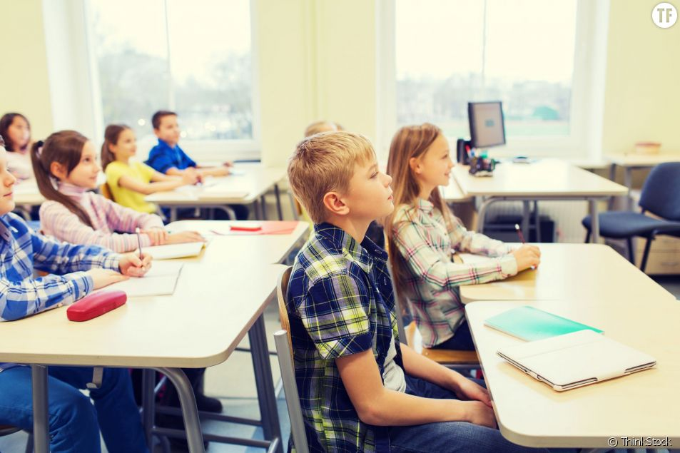 Des élèves dans une salle de classe