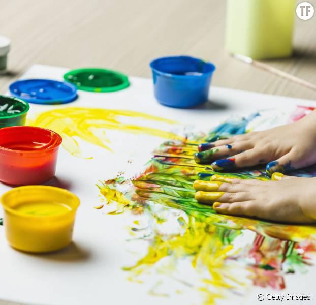 diy enfants comment fabriquer de la peinture pour les doigts comestible terrafemina. Black Bedroom Furniture Sets. Home Design Ideas