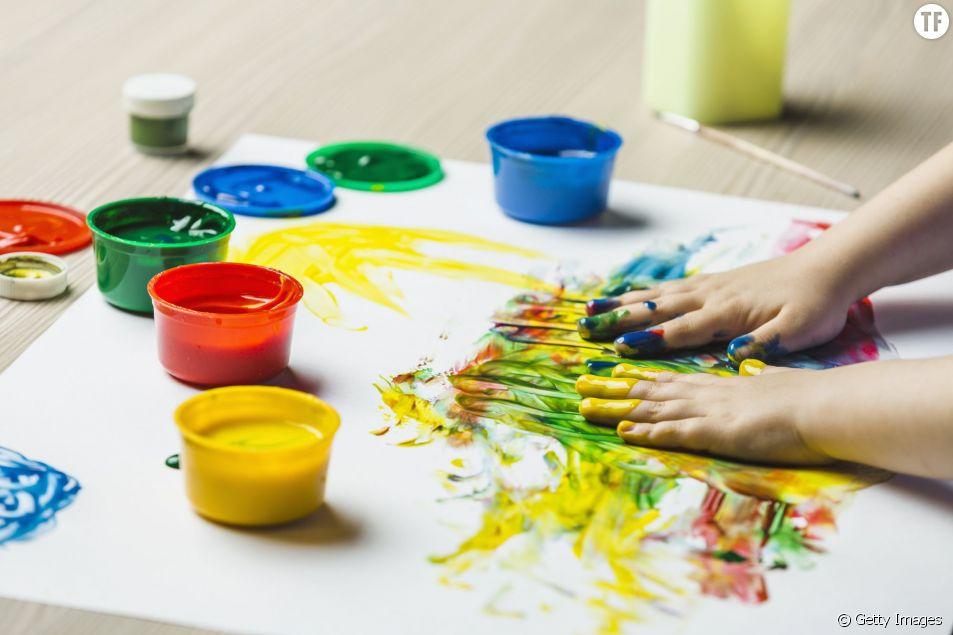 De la peinture qui n'empêche pas de se mettre les mains dans la bouche